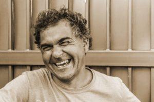 smilende mand