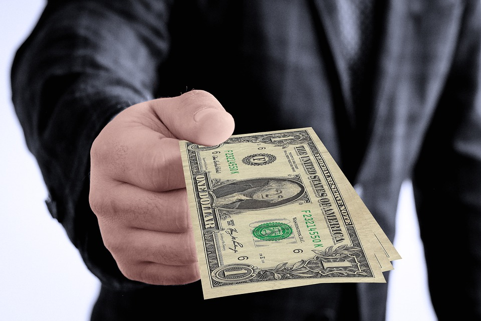 Giv penge
